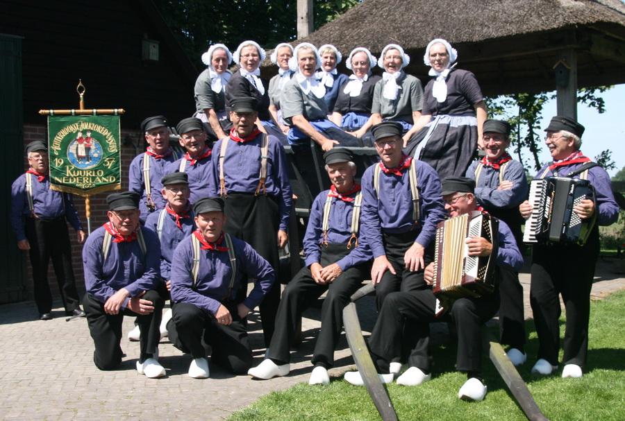 Achterhookse Folkloredansers 2009