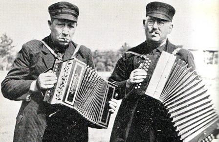 De spöllemannen Lammertink (links) en Emsbroek (rechts).