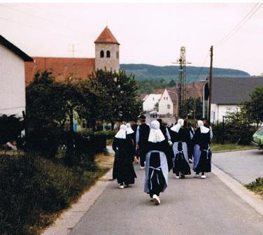 1980 Bliesransbach, op weg naar de optocht.