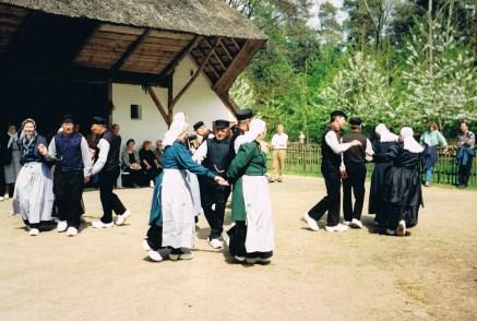 1992 Dansen in het openluchtmuseum Arnhem