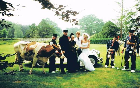 0073 - 1992 Bruidspaar en bruidsschat 001