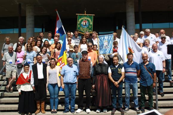 Op het bordes van het gemeentehuis van Moaña, samen met de groep uit Madeira.