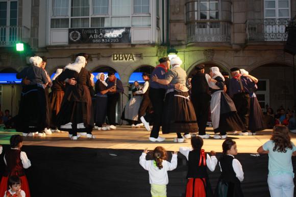 Optreden tijdens het festival O Folclore do Mar in Porriño (Galicië)