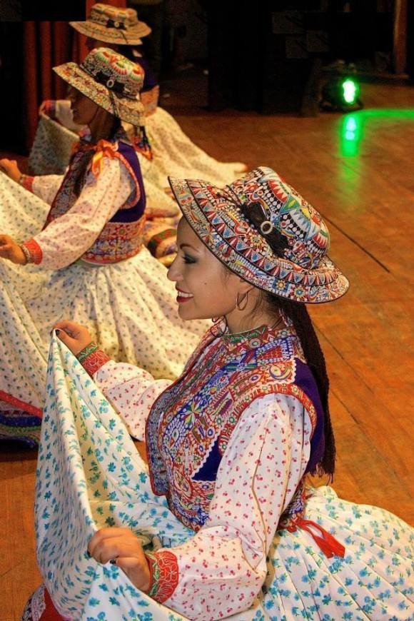 Dansgroep Identidad Peru Taller de Danzas