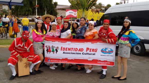 Peru Identidad - dansgroep op tournee