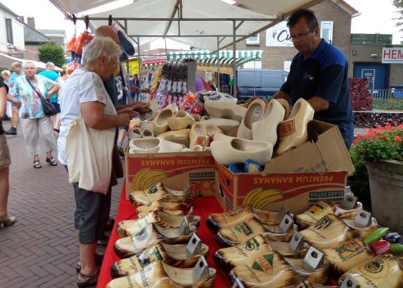 Braderiemarkt 2015 - hollandse souvenirs