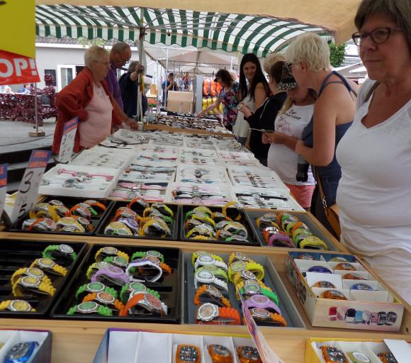 Braderiemarkt 2015 - horloges voor geen geld